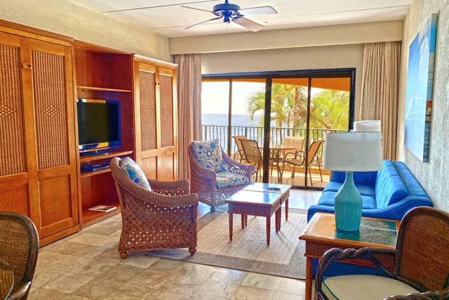 The Royal Sea Aquarium Resort living area